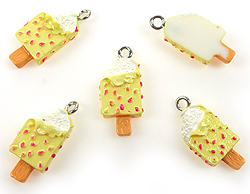 www.beadyourfashion.com - Synthetic pendant/charm ice cream with metal eye ± 23x11mm