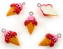 www.beadyourfashion.com - Synthetic pendant/charm ice cream with metal eye ± 23x13mm