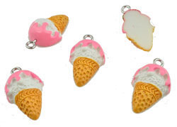 www.beadyourfashion.com - Synthetic pendant/charm ice cream with metal eye ± 22x13mm