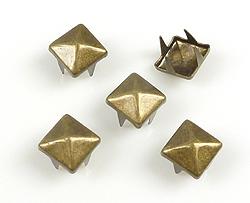 www.beadyourfashion.com - Metal studs square ± 7mm
