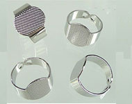 Metal fingerring for ± 15x12mm flat back ± 19x15mm (inner size ± 18mm)