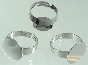 www.beadyourfashion.com - Metal fingerring for ± 15mm flat back, adjustable size ± 20x10mm (inner size ± 18-23mm)