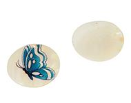 Pendentif/breloque en nacre avec papillon ± 5cm (trou ± 2mm)