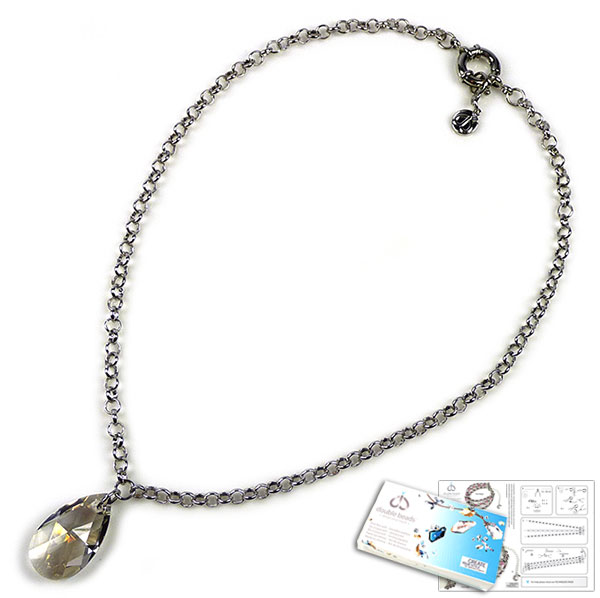 www.beadyourfashion.nl - DoubleBeads Sieradenpakket Crystal Teardrop halsketting ± 50cm met SWAROVSKI ELEMENTS hanger en diverse materialen (o.a. metalen accessoires)