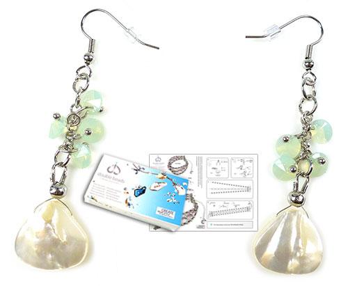 www.beadyourfashion.nl - DoubleBeads Sieradenpakket Mermaid oorbellen ± 6,5cm, met SWAROVSKI ELEMENTS hangers en diverse andere materialen (o.a. schelp kralen en metalen accessoires)