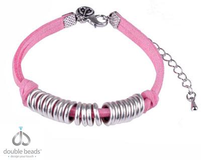 www.beadyourfashion.nl - DoubleBeads Creation Mini Sieradenpakket armband, in maat verstelbaar ± 18-23,5cm, met imitatiesuede en metalen accessoires