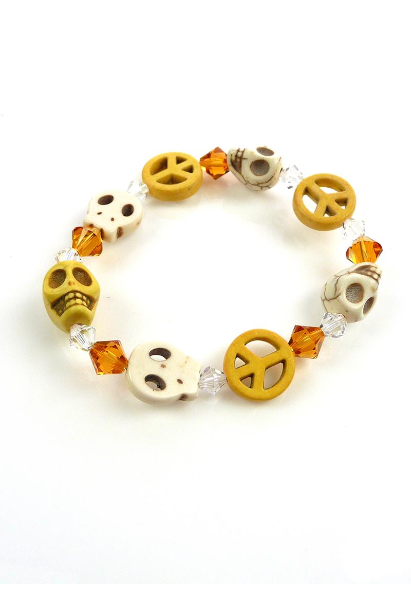 www.beadyourfashion.nl - DoubleBeads Mini Sieradenpakket armband rekbaar, binnenmaat ± 19cm met SWAROVSKI ELEMENTS kralen en imitatie turquoise doodshoofden/schedels en vredestekens