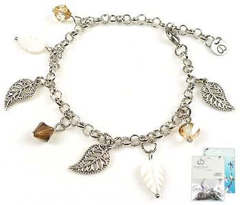 www.beadyourfashion.nl - DoubleBeads Mini Sieradenpakket blaadjes armband ± 22cm met SWAROVSKI ELEMENTS kralen, parelmoer kralen en diverse metalen accessoires