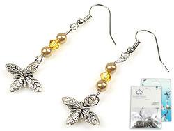 www.beadyourfashion.nl - DoubleBeads Mini Sieradenpakket oorbellen ± 5cm met SWAROVSKI ELEMENTS parels, kralen en metalen hangers/bedels bijtje